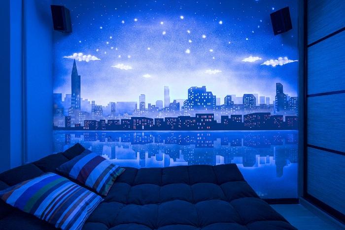 Прекрасный вид на ночной город - то что создаст неповторимую обстановку.