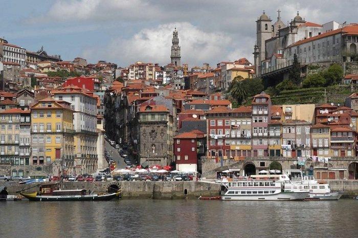 Порту является одним из самых интересных и примечательных городов Португалии.