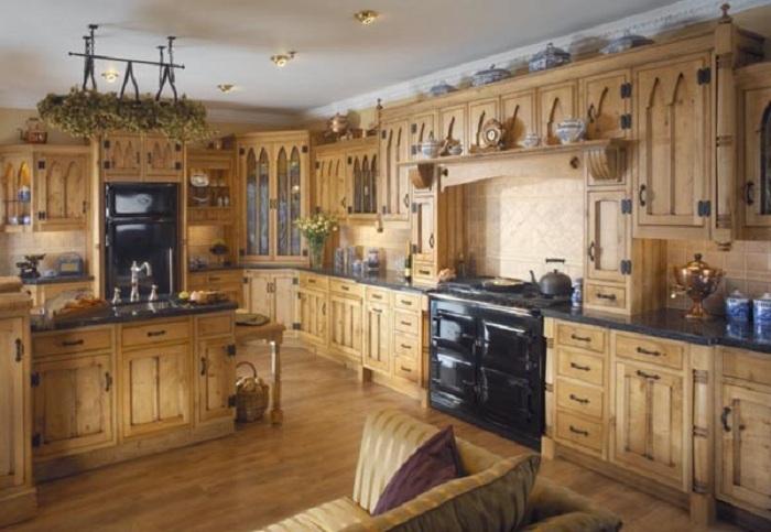 Деревянный интерьер кухни станет просто находкой для дизайна кухни.