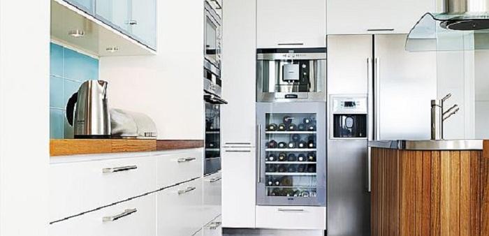 Отменный интерьер кухни наполнен теплом и светом что точно понравится.
