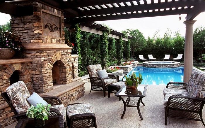 Отличное место для отдыха около бассейна очень красиво обустроена и смотрится весьма привлекательно.