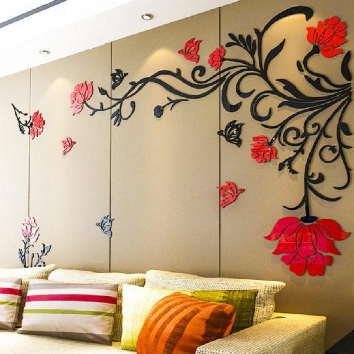 Интересные наклейки на стене украсят интерьер своими яркими цветами, что позволит максимально оптимально организовать пространство комнаты.