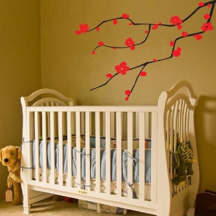 Красивая ветка сакуры станет отличным дополнением к интерьеру любой из комнат.