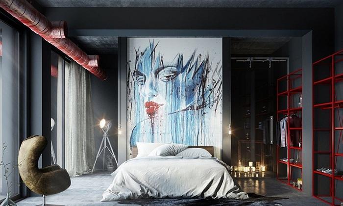 Интерьер спальни дополнен высокой картиной и свечами, что создают непревзойденную атмосферу.