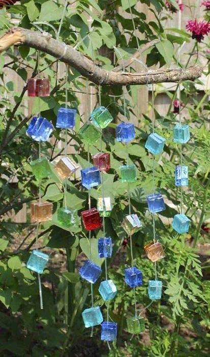 Красивое украшение, которое украсит любой сад и создаст прекрасную мелодию на ветру.
