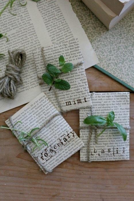 Симпатичный вариант хранения семян в страницах старинных книг.