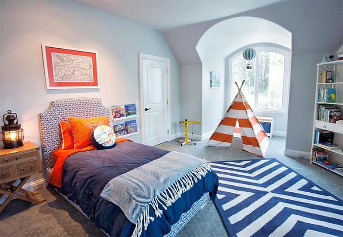 Приятный дизайн спальни для мальчиков.