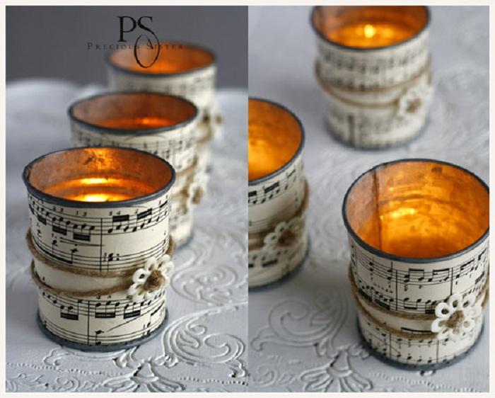 Симпатичные подсвечники, которые украшены изображениями нот порадуют глаз.