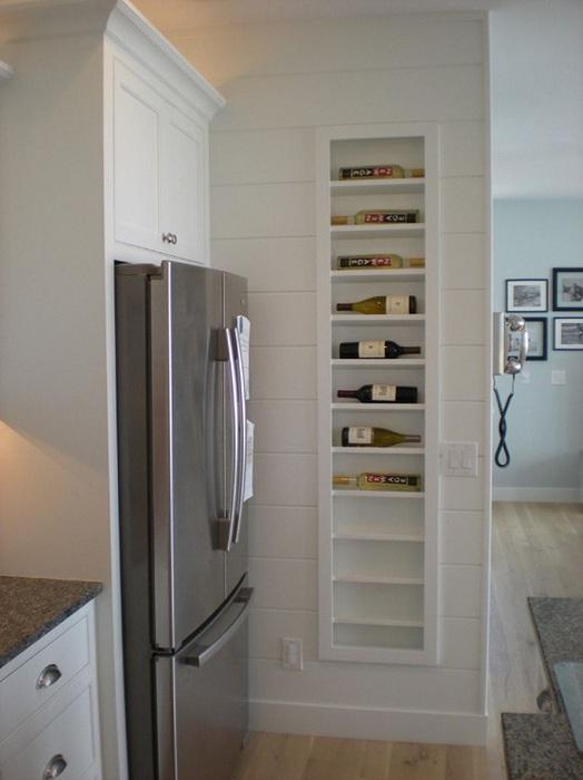 Практичные полочки для хранения вина, которые сэкономят пространство на кухне.