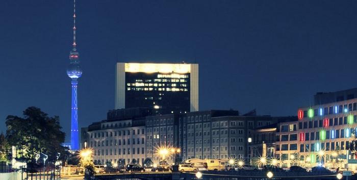 Незабываемый обзор ночного Берлина, который останется в памяти навечно.