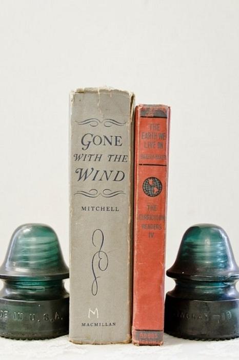Милые держатели для книг - то что по настоящему практично и симпатично.