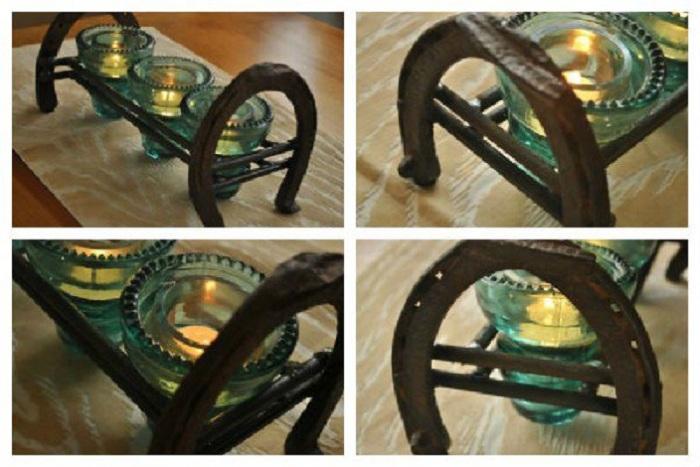 Нестандартное сочетание подков и электрических стекляннх изоляторов позволило создать милые элементы декора.