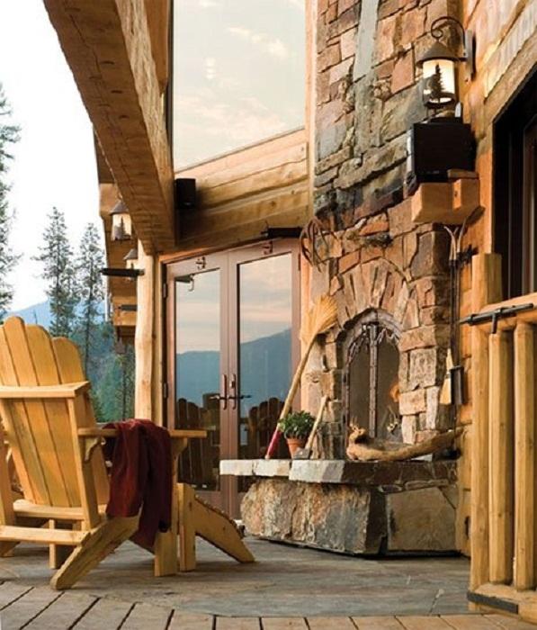 Камин такого плана, точно понравится и создаст просто потрясающую атмосферу и облагородит двор.