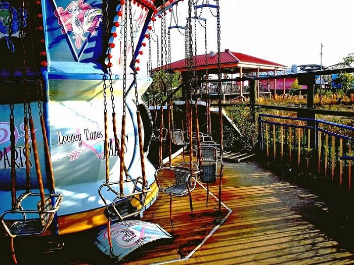 Тематический парк который был разрушен ураганом Катрина в 2005 году, в нем повреждены 80 процентов аттракционов поэтому его и не решились восстанавливать.