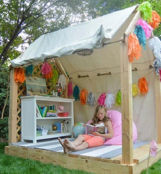 Интересное оформление дома с одной стеной - необычный вариант для детских игр.
