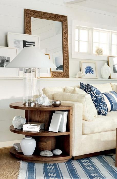 Элегантный столик станет прекрасным элементом декора и создаст прекрасную атмосферу в доме.