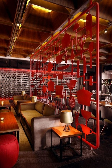 Ресторан The Tower Kitchen в индийском мегаполисе Бангалоре.