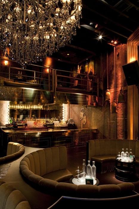Ресторан с клубом, Калифорния.