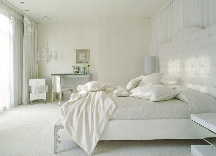 Белый цвет в интерьере подарит чувство легкости и свежести.