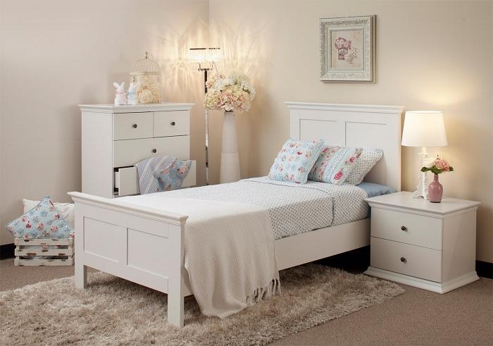 Светлый интерьер один из самых лучших вариантов для оформления комнаты для сна.