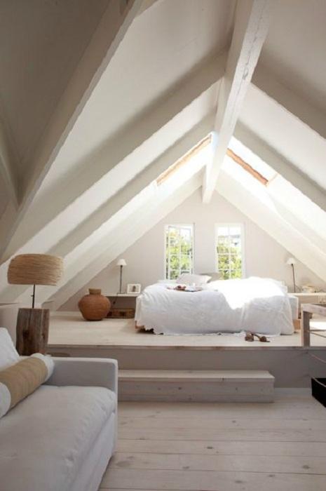 Легкая и спокойная атмосфера в спальне станет интересным местом для отдыха.