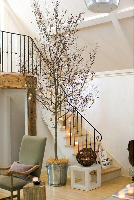 Креативное оформление новогоднего дерева, что понравится точно.