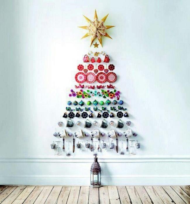 Пожалуй одно из лучших решений - создание такой необычной новогодней красавицы.