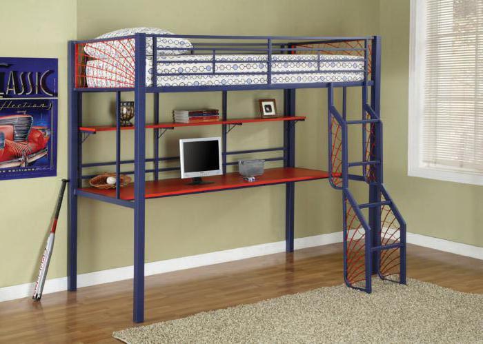 Оригинальное дизайнерское решение для оформления спальной, что выглядит очень необычно.