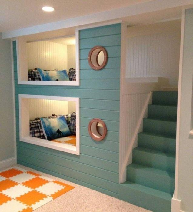 Детские кроватки разместились в мини-домике, то что понравится и станет просто особенным.