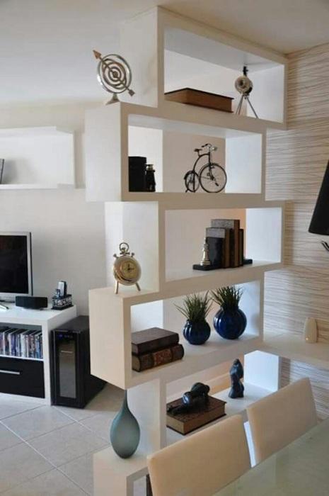 Удачный пример зонирования пространства в доме.