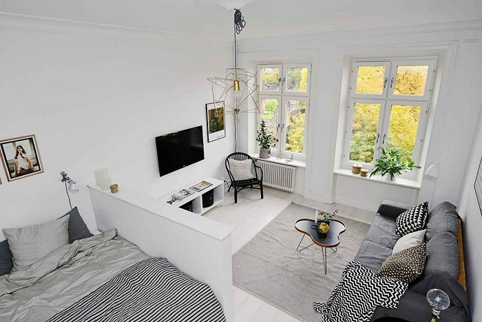 Хороший вариант оформления компактной комнаты в современном стиле.