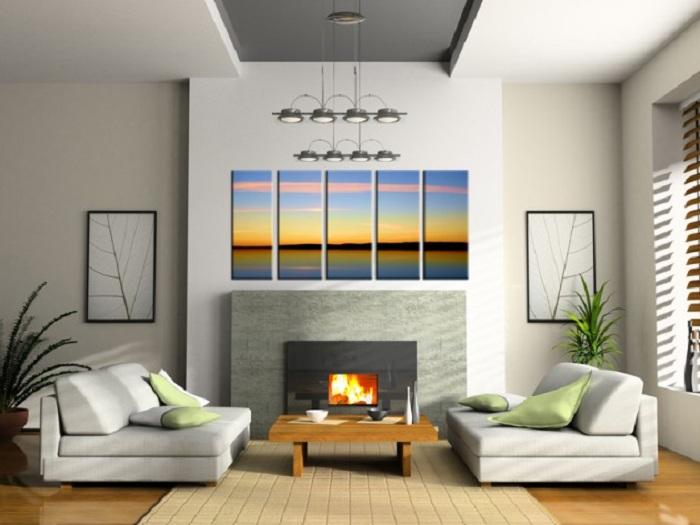 Добавление необычных красок с картиной заката в уютный интерьер комнаты.