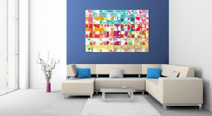 Яркие тона в дизайне комнаты в дополнении необычная картина - залог хорошего настроения.