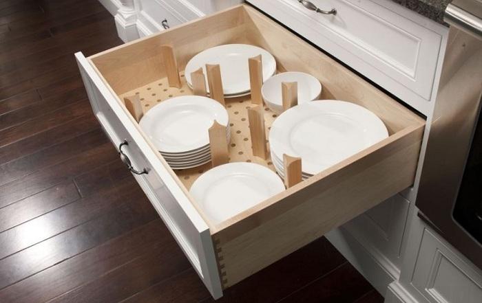 Оригинально обустроенные кухонные ящики.