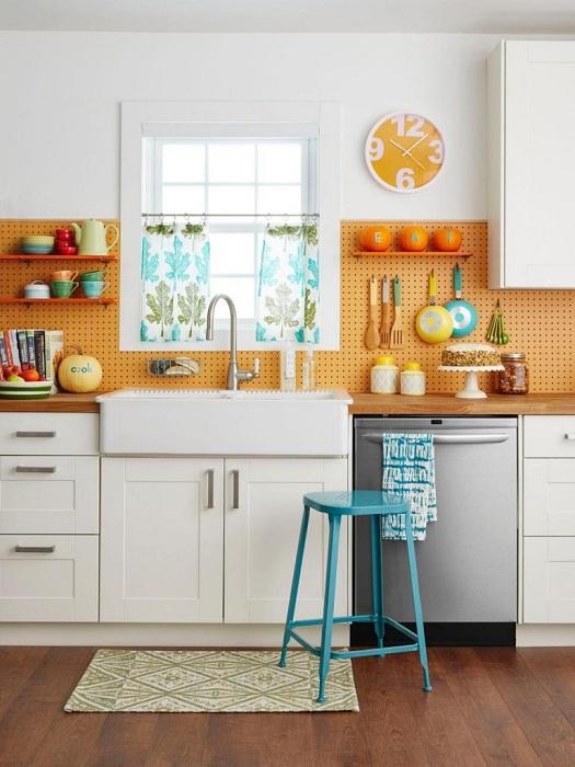 Оформление рабочей стенки на кухне.
