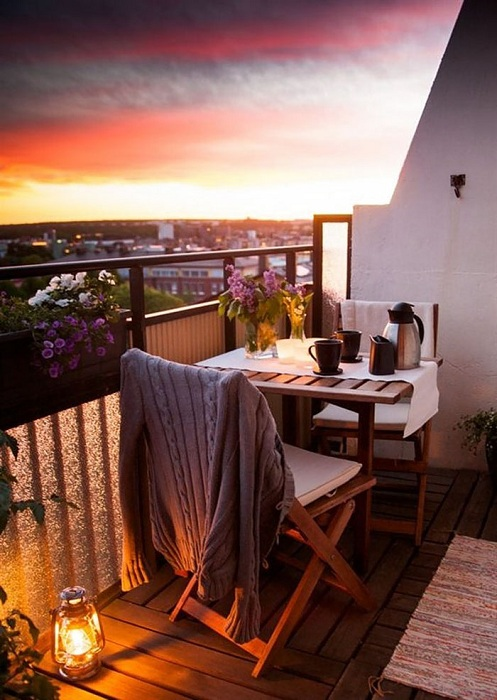 Просто невероятный вид с балкона, который станет любимым местом для отдыха.