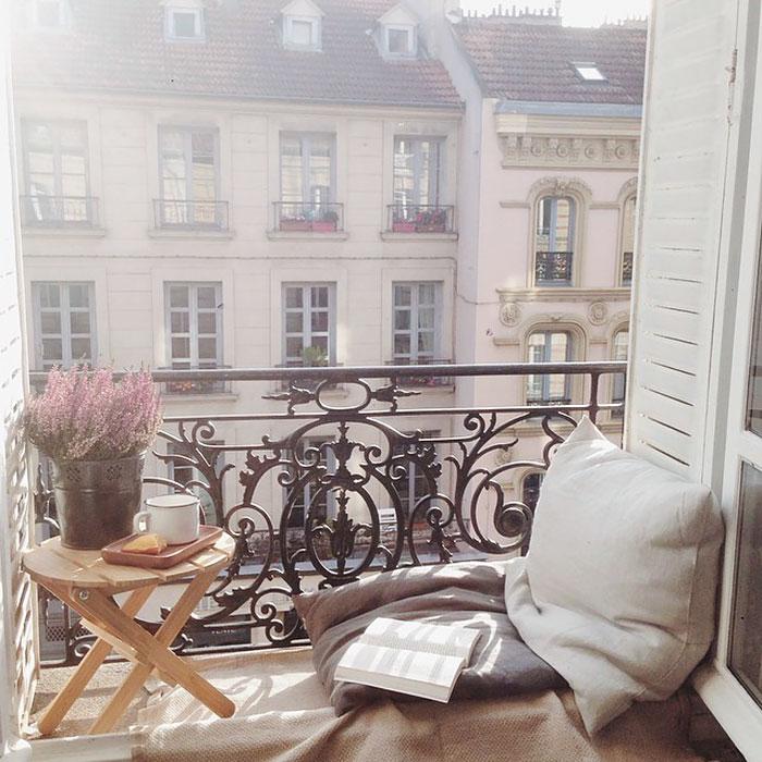 Интересный вид открывается из окна и подарит массу приятных впечатлений.