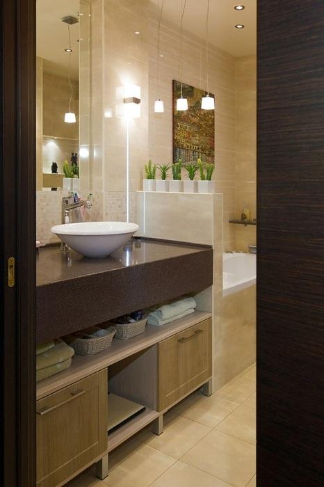 Весьма удачное и комфортное обустройство пространства ванной комнаты.