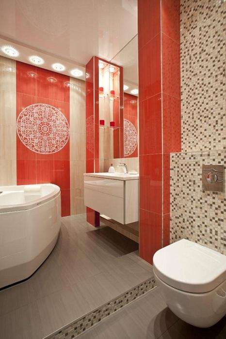 Очень красивый настенный орнамент, что создает определенный шарм в ванной комнате.