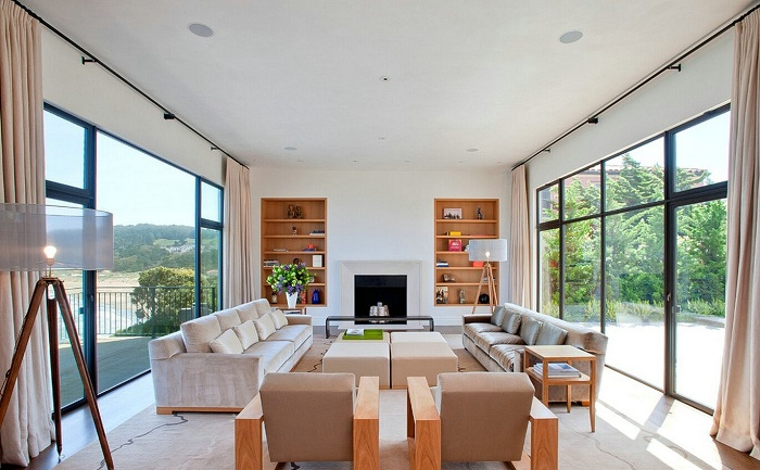 Варіант декорувати вітальню в ніжно-кремових тонах, що точно сподобається.