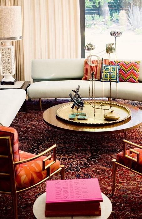 Прекрасный вариант оформить гостиную в стиле бохо - просто отличный вариант для оформления комнаты.