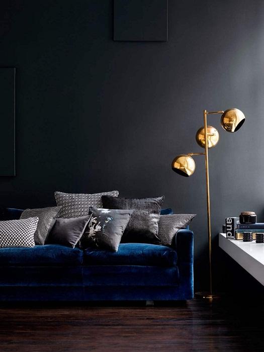 Золото и тёмные тона для ценителей тонкого стиля.