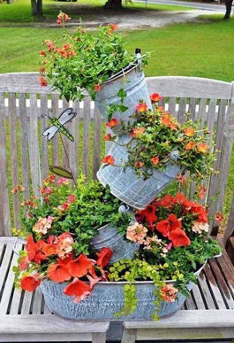 Крутые варианты перепрофилирования оцинкованных ведер возможность создать отличных горшков для сада.