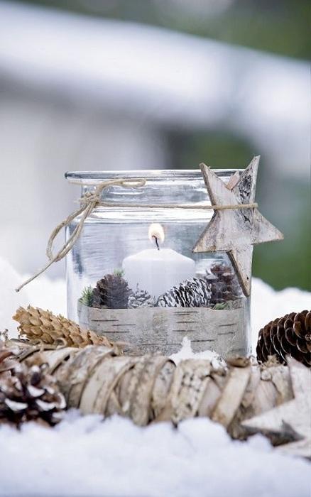 Маленькие оригинальные подсвечники способны создать и укрепить ощущение праздника.