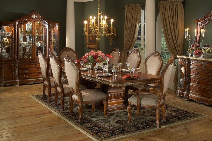 Прекрасная комната с отличными цветами и идеальными линиями интерьера с шикарной люстрой, что может быть еще лучше.