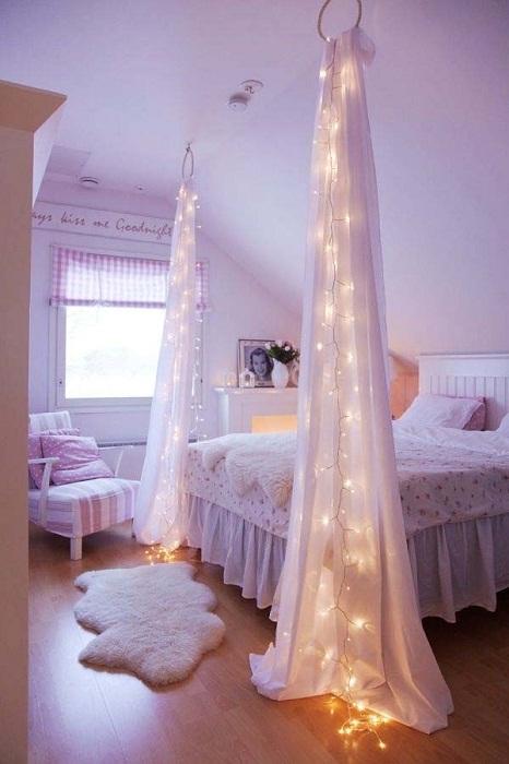 Симпатичный дизайн спальной - украшен оригинальной подсветкой.