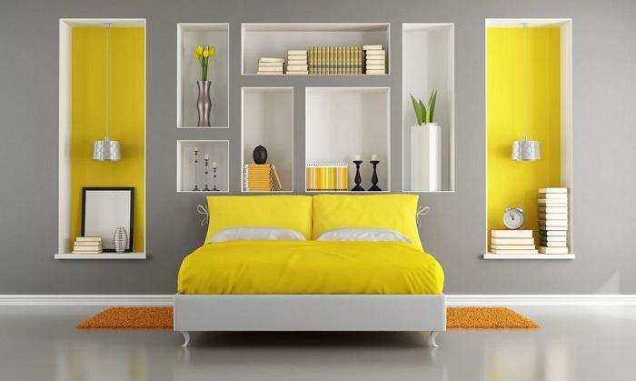 Желтая комната, отличный выбор для создания яркого интерьера.