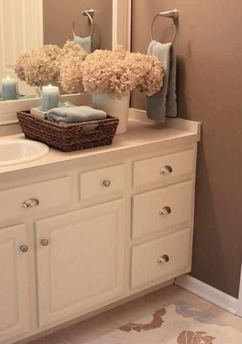 Хороший вариант оформления ванной комнаты при помощи нестандартных решений, что создаст удачный интерьер.
