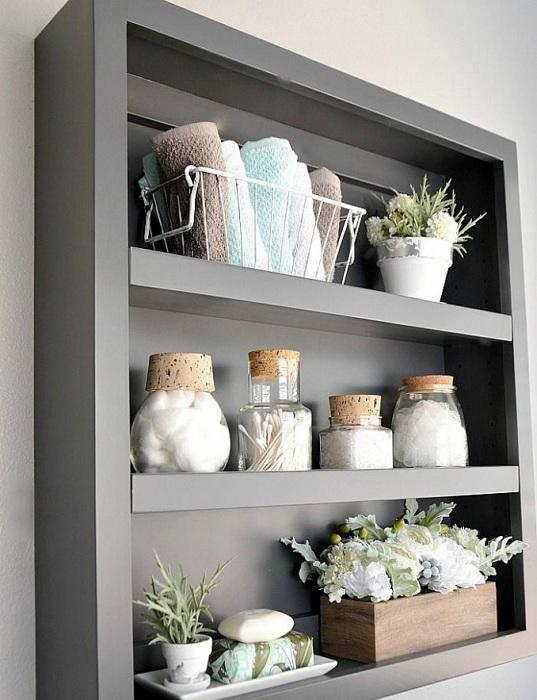 Интересный вариант создать удачные полочки в ванной комнате, что быстро преобразят интерьер и станут особенностью.