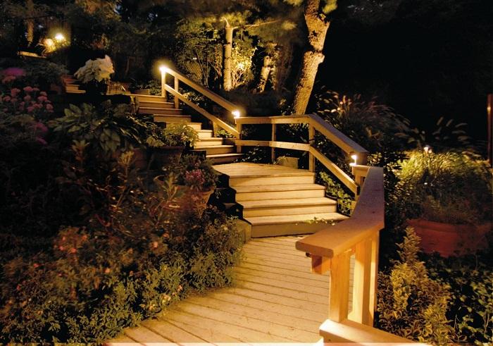 Симпатичный светящиеся ступени, что может быть лучше и красивее чем это.